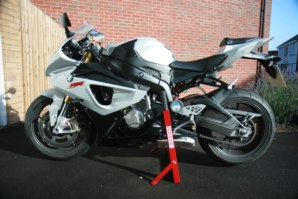 abba Paddock stand on BMW S1000RR