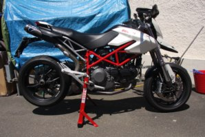 abba Superbike Stand on Ducati Hypermotard