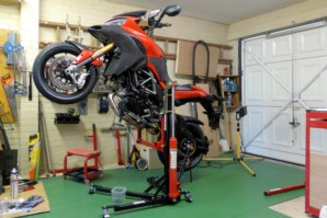 abba Sky Lift on Ducati Multistrada 1200 on Sky Lift (Wheelie position)