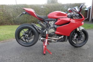 abba Stand on Ducati Panigale