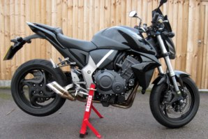abba Superbike Stand on Honda CB1000R