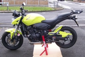 abba Superbike Stand on Honda Hornet