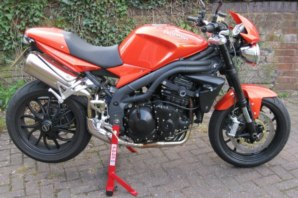abba Motorcycle Stand on Triumph Speed Triple