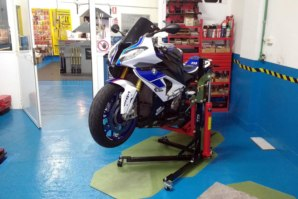 abba Sky Lift on BMW S1000RR