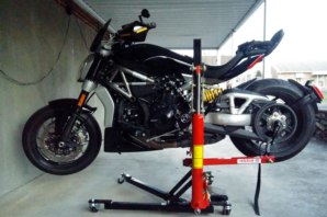 Ducati Diavel X on abba Sky Lift