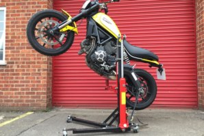 abba Sky Lift on Ducati Scrambler (wheelie Position)