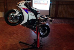 Honda CBR1000RR Fireblade on abba Sky Lift