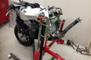 abba Sky Lift used for Honda Fireblade rear end removal pt. 5