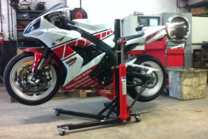 Yamaha R1 on abba Sky Lift (lower lifting position)